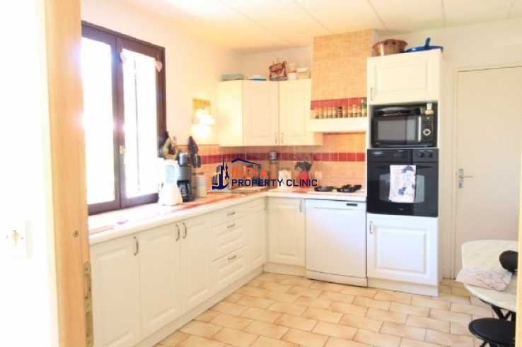 Villa For Sale in Narbonne