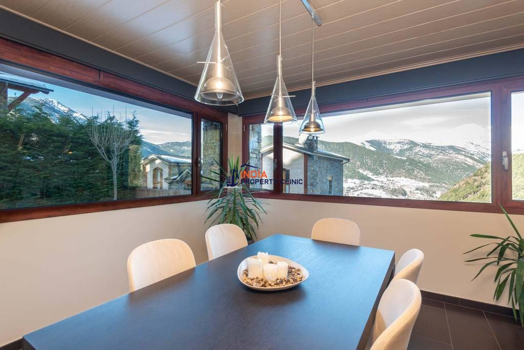 5 bedroom luxury Detached House for sale in Anyós