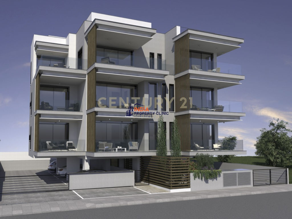 Seafront Villa with pool For Sale in Trget