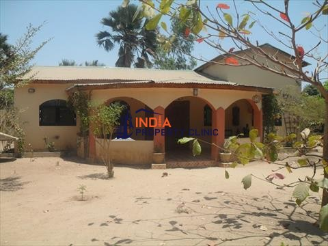 House for sale in Gunjur
