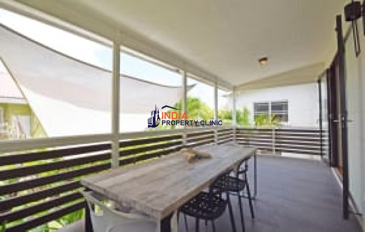 House for Sale in Navy Gardens