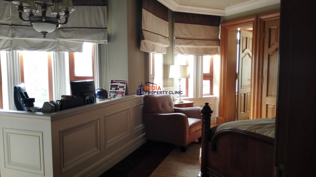 7 room luxury Villa for sale in JinFeng