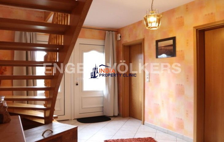 5 bedroom House for Sale in Aurich