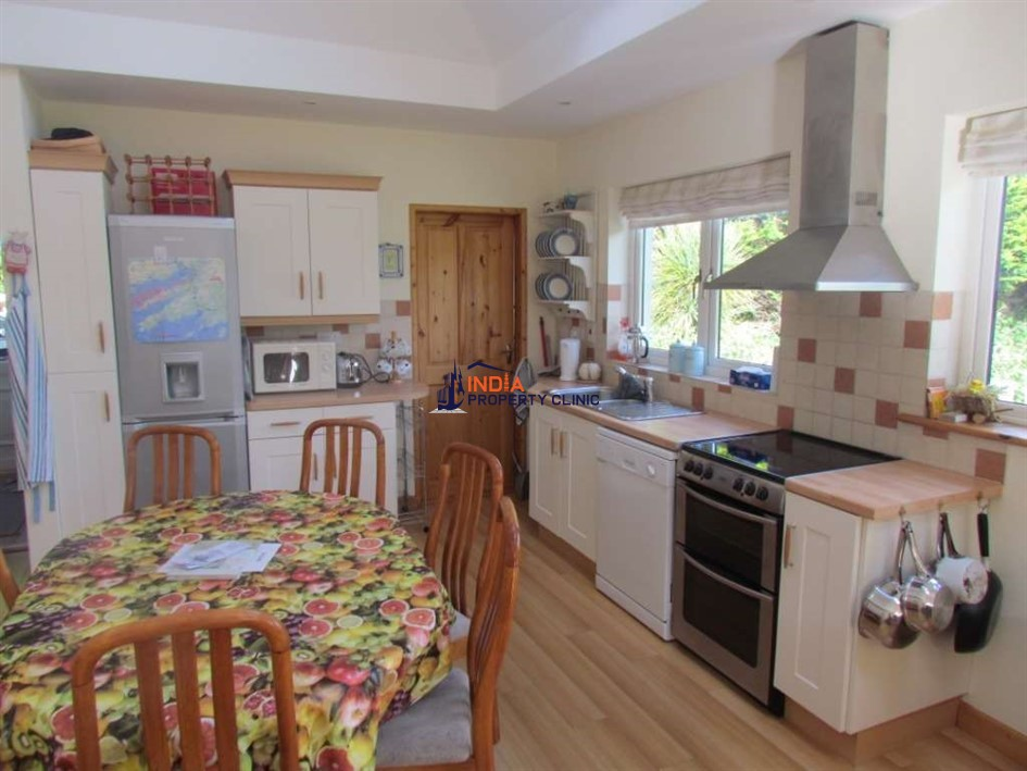 3 Bedroom Detached House For Rent in Ballydehob