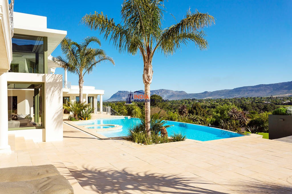 Home for Sale in Frigate Bay