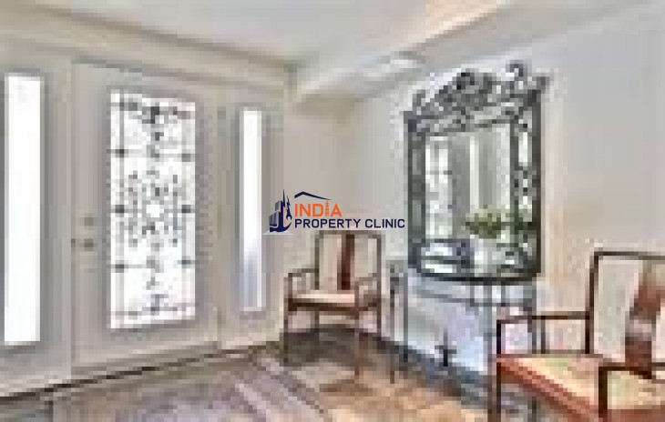 Single Family Home For Sale in Avenue Road