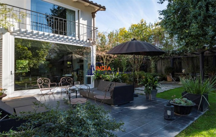 House For Sale in Vitacura, Santiago