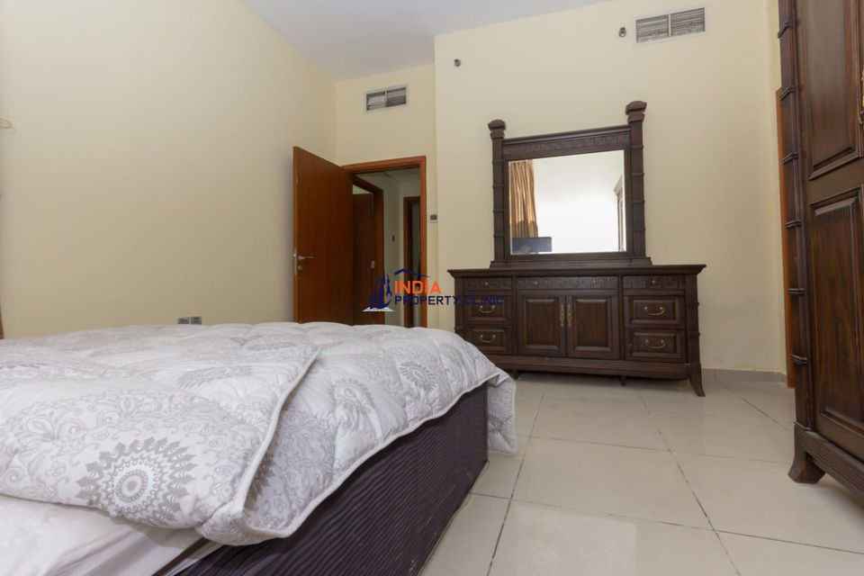 FULLY FURNISHED ROOM Rent IN MARINA PINNACLE BUILDING