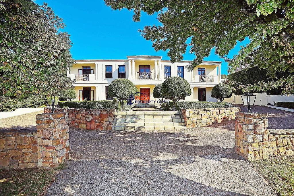 Detached House For Sale in Kercaszomor