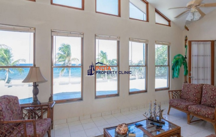 3 Bedroom Beach House for Sale in Stake Bay