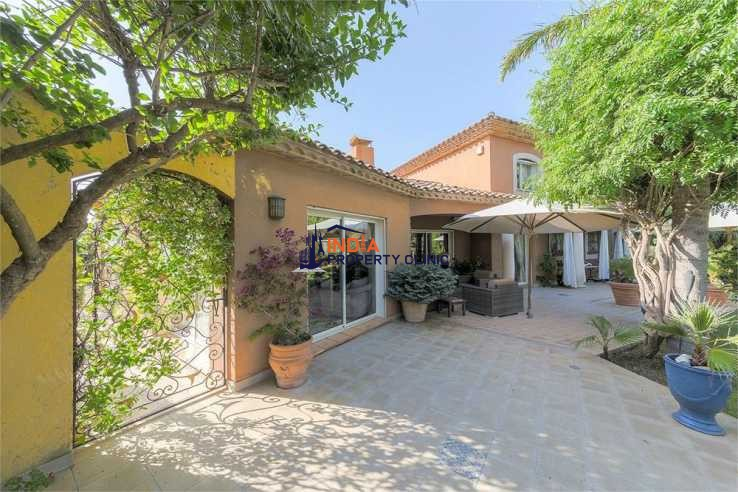 Villa With Apartment For Sale in Le Soler