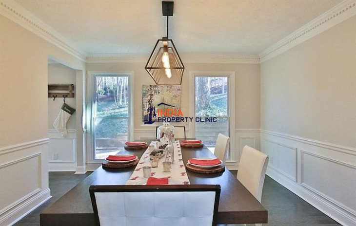 6 bedroom Home For Sale in Roswell
