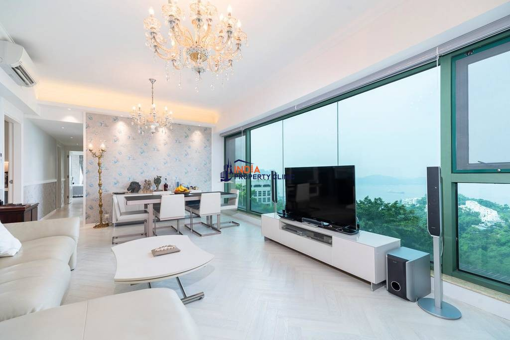 Luxury Flat for sale in Hong Kong