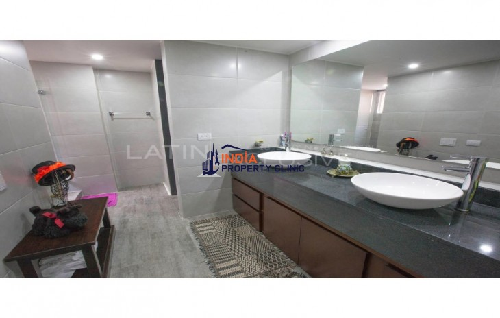 Apartment For Sale in Usaquén