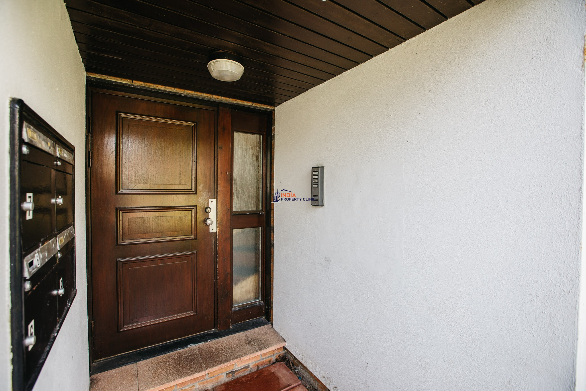 Flat for sale in Farmhill