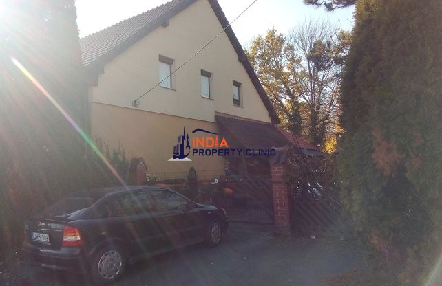 Detached House For Sale in Kútfej