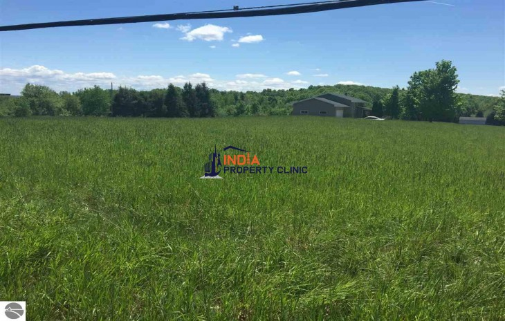 10 Acres Vacant Land For Sale in Cedar