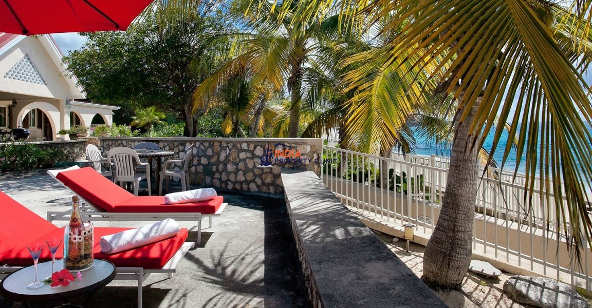 3 Bedroom Beach House for Sale in Baie Longue