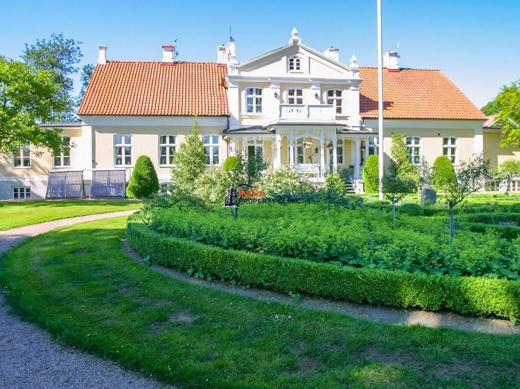 10 room luxury Detached House for sale in Påarp