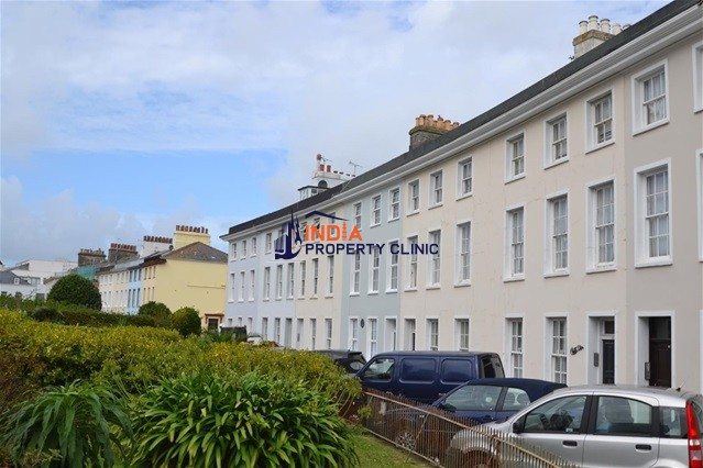 Apartment For Sale in St. Helier
