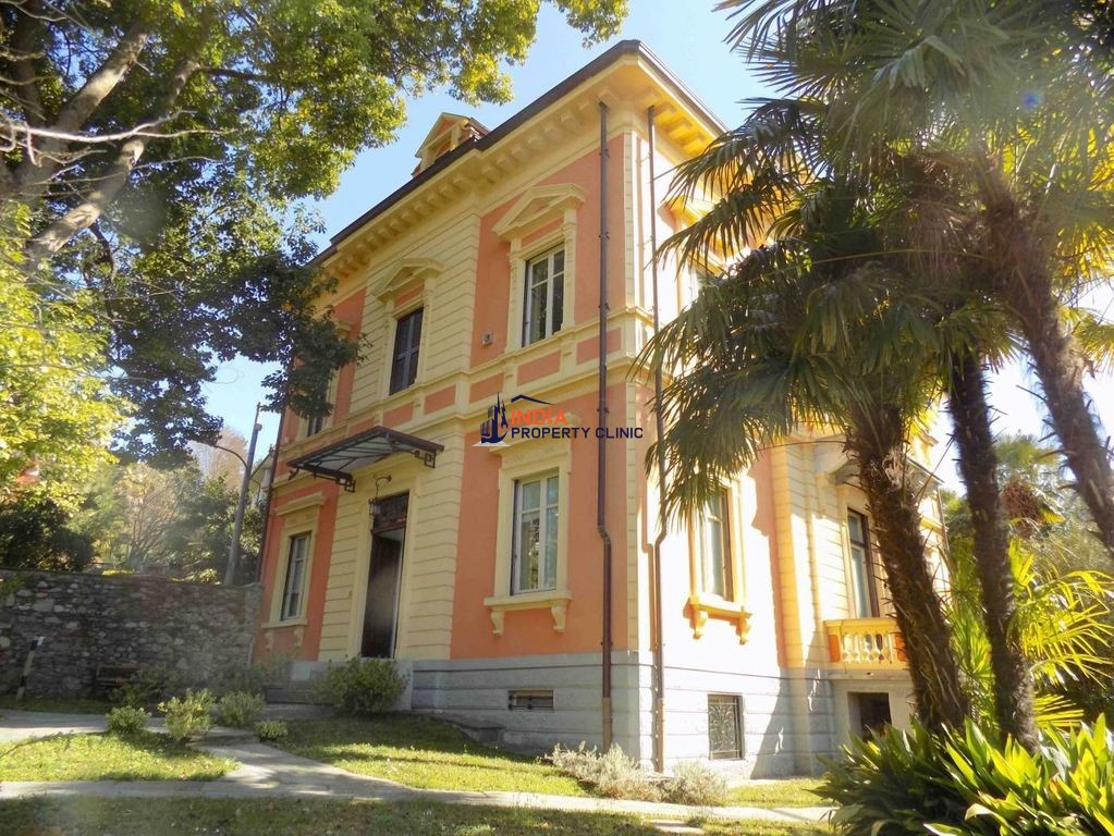 5 room luxury Villa for sale in Verbania
