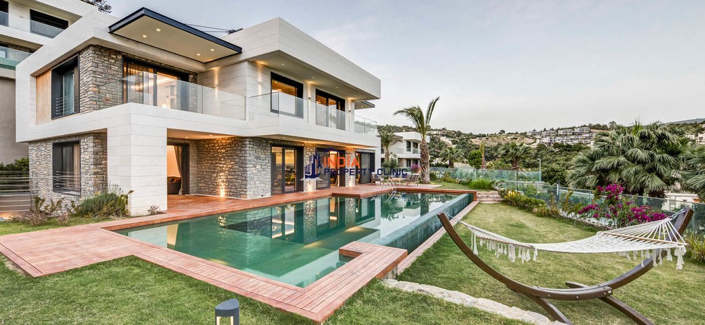 9 room luxury Villa for sale in Bodrum