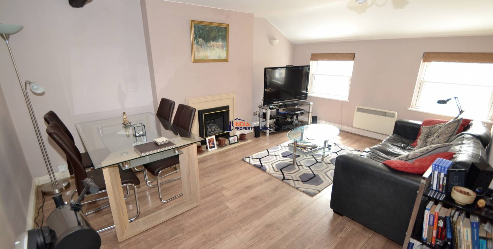 Flat For Sale in Upper Mansell Street