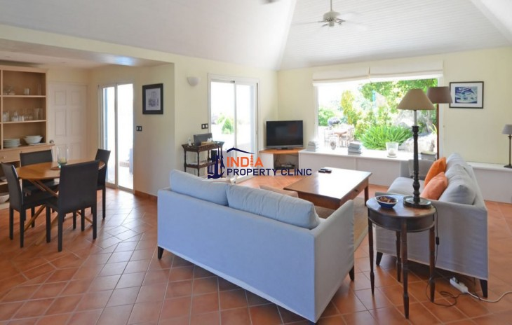 2 Bedroom Luxury Villa for Sale in Marigot