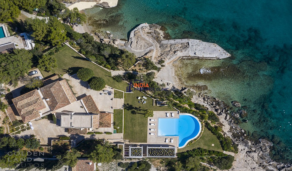 9 bedroom Villa For Sale in Porto Heli