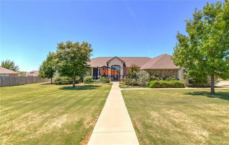 4 bedroom/2 full bath House For Sale in Granbury