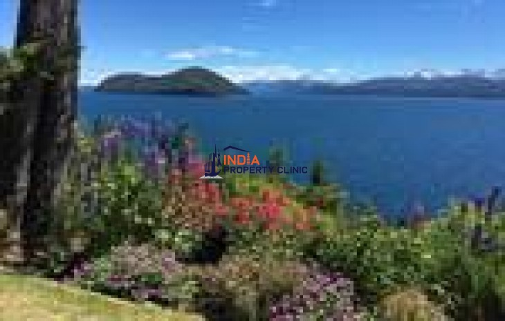 Lake front Residential House For Sale in Bariloche