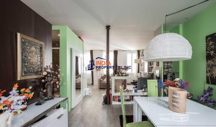 Apartment Loft  For Sale in Paris