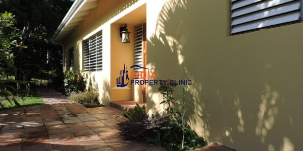 villa for sale in Palm Loop