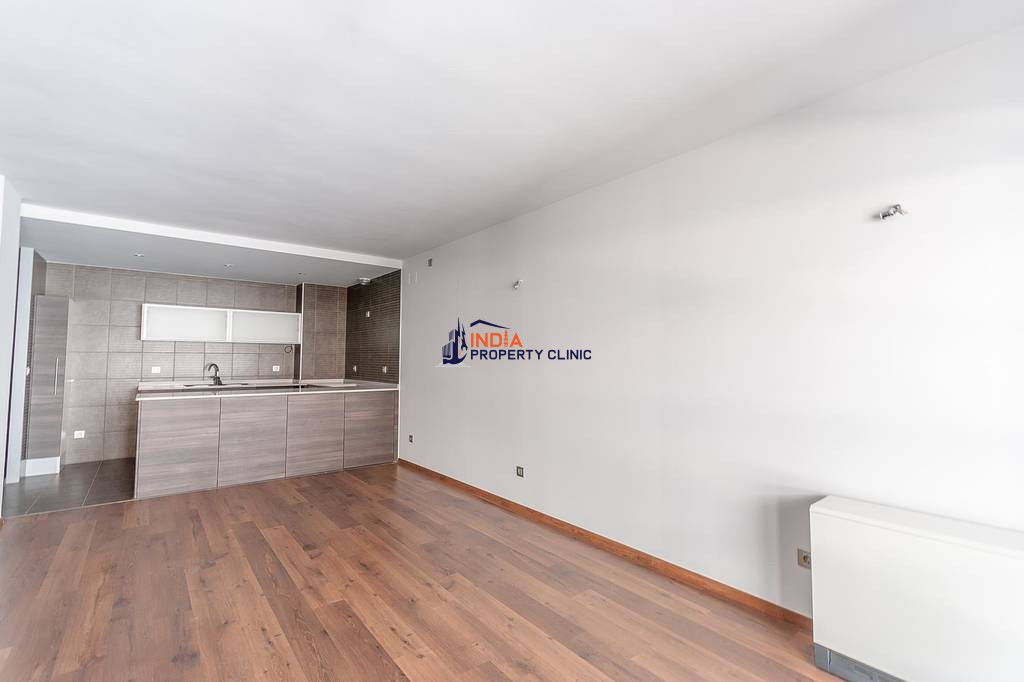 Flat for sale in Santa Coloma