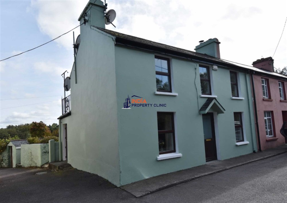 Terrace House For Sale in Ballydehob