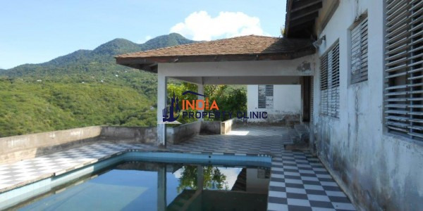 villa for sale in Garibaldi Hill