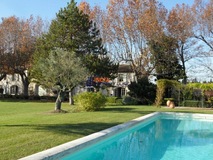 Countryside house For Sale in Isle sur la Sorgue