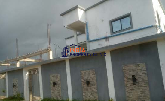 Luxury Duplex For Sale in Beira