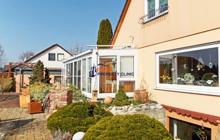 5 bedroom House for Sale in Waldhausen