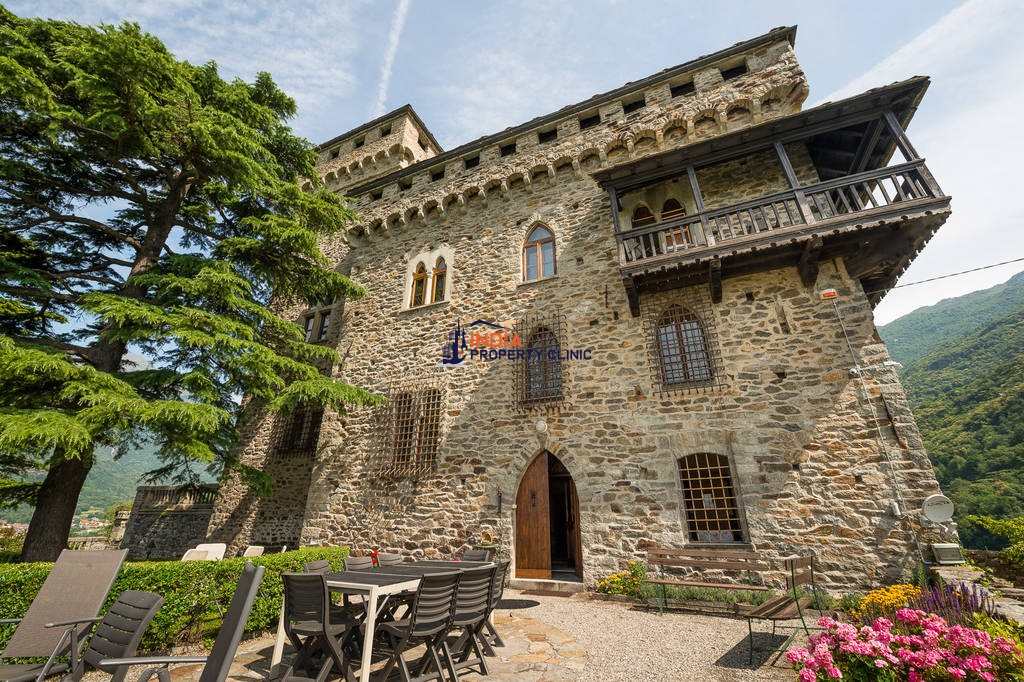 22 room luxury House for sale in Settimo Vittone
