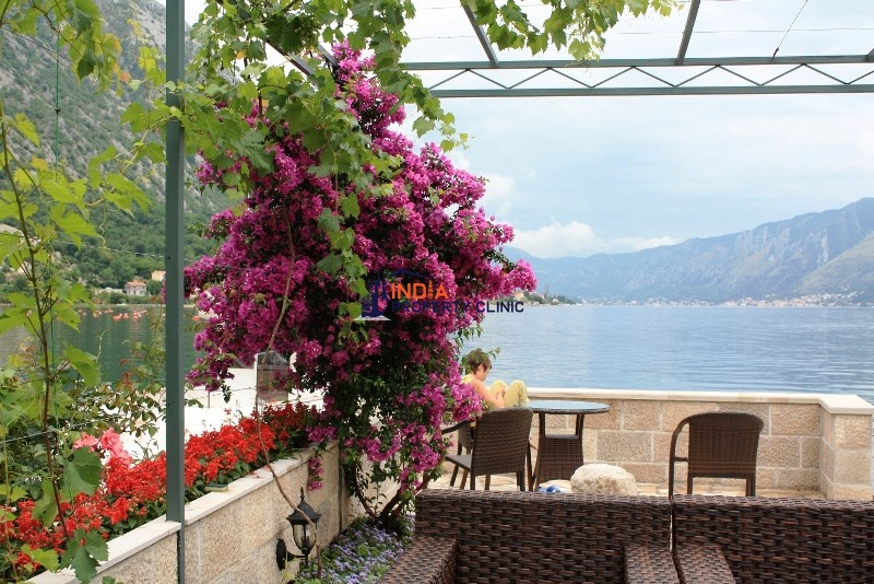 4 bedroom luxury Villa for sale in Kotor
