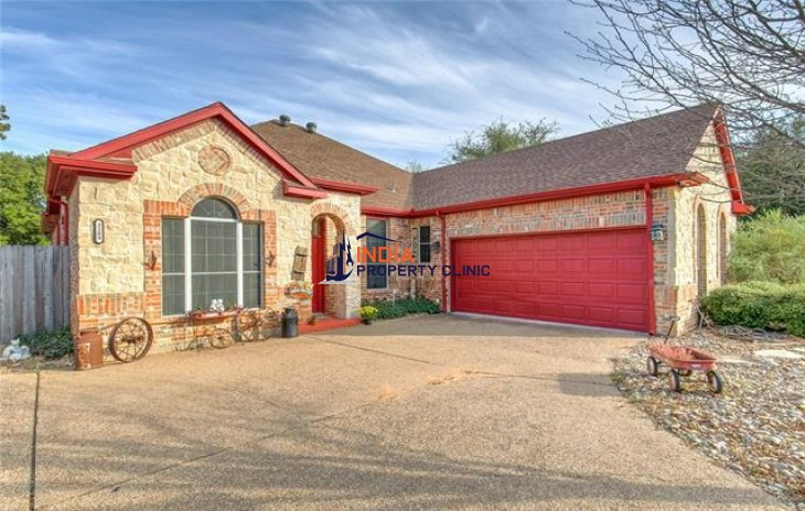 3 bedroom Family House For Sale in Granbury