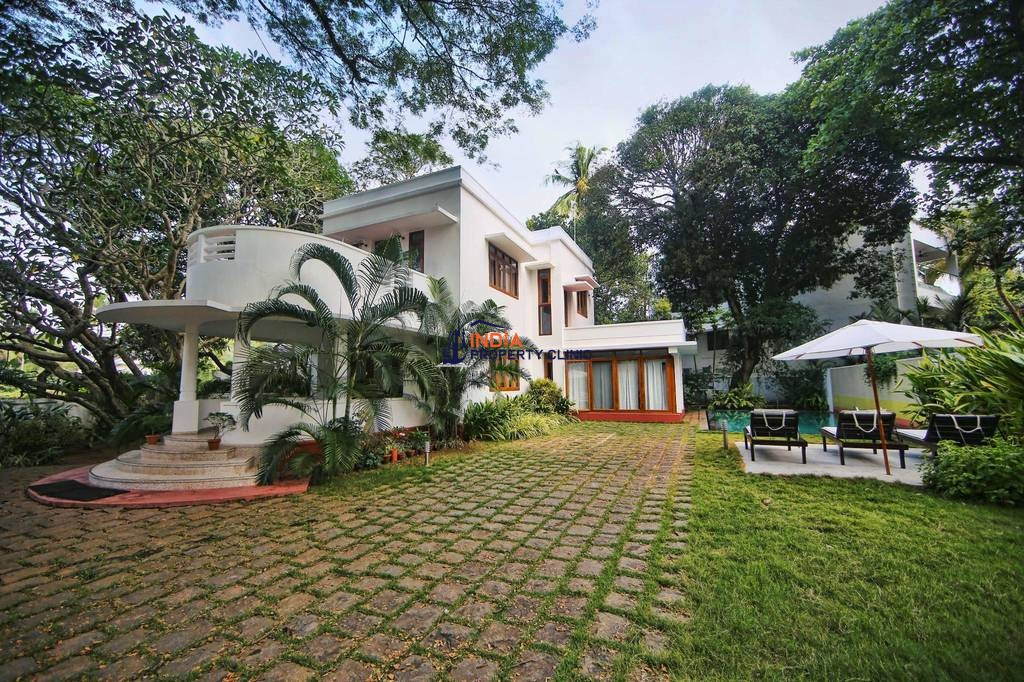 6 room luxury Detached House for sale in Kochi