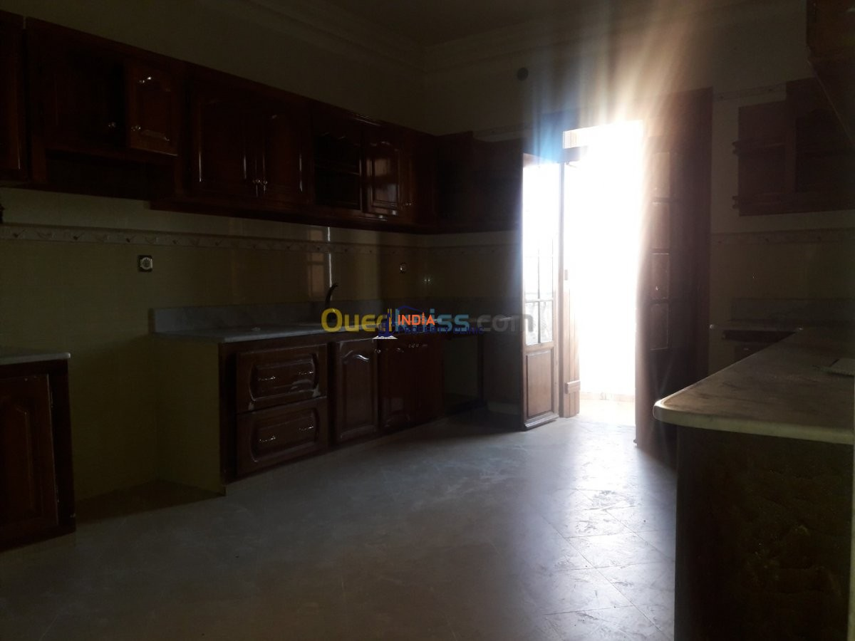 4 Rooms Villa For Rent  Algiers Draria