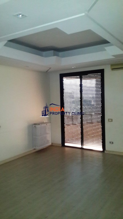 8 room Apartment for rent in En Naqqach
