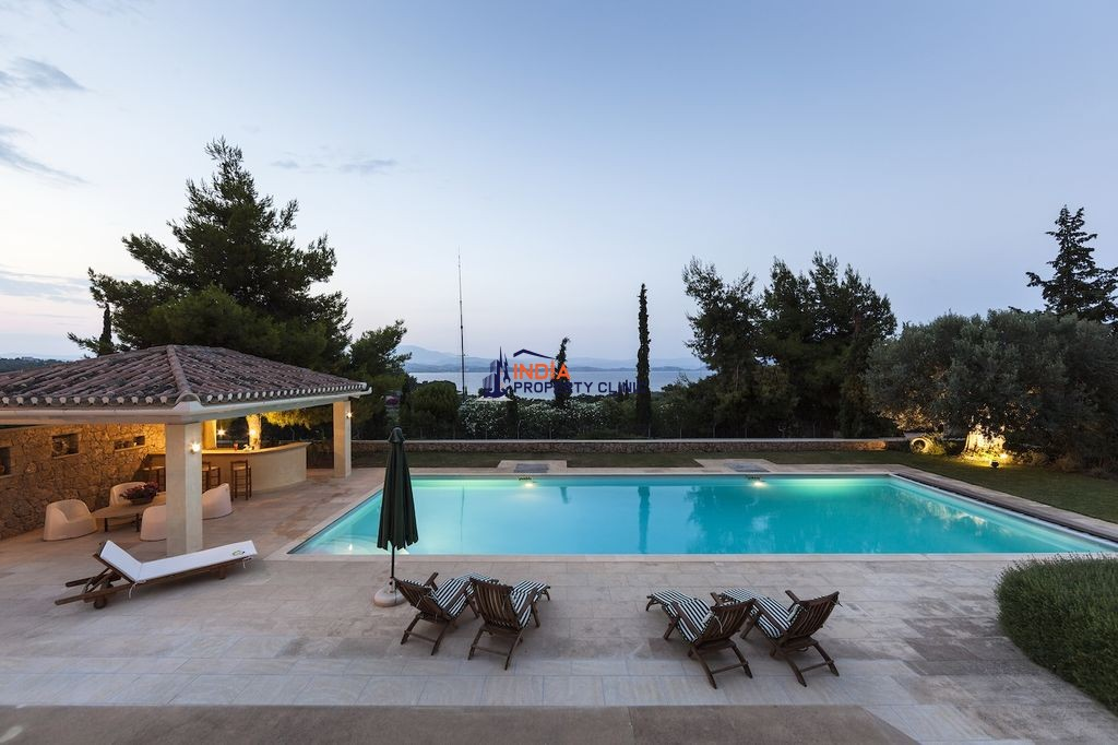 5 Bedroom luxury Villa For Sale in Porto Heli