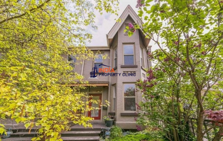 Single Family Home For Sale in Northcote Avenue