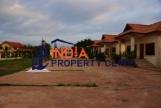 Resort for Sale in Phonmi