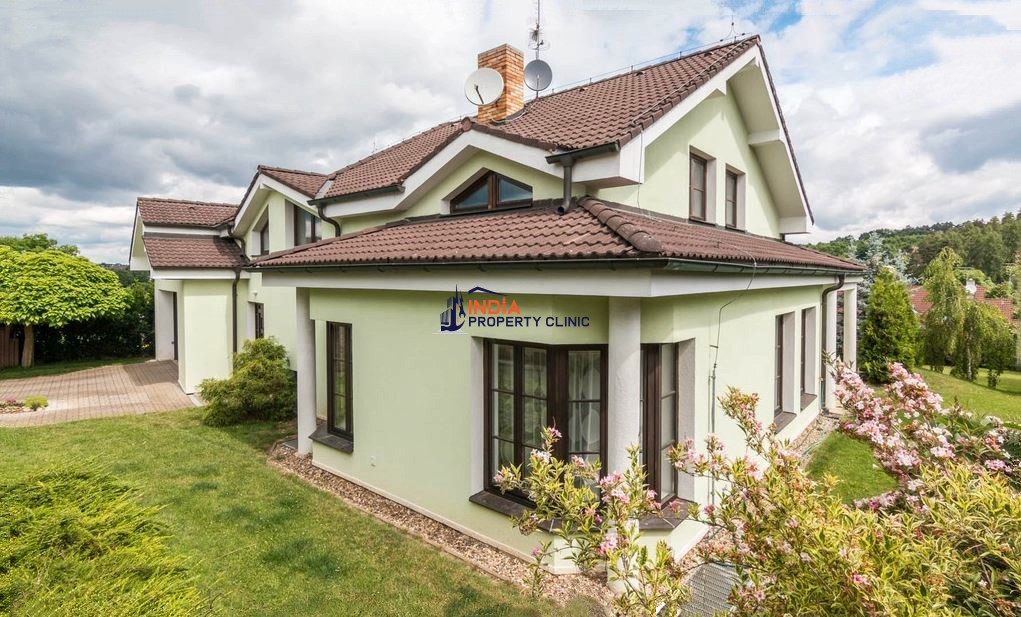 3 bedroom country house for sale in Psáry