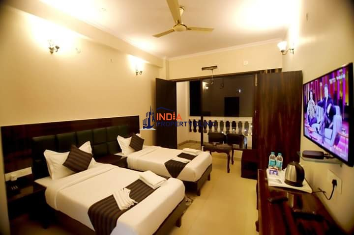 16 Rooms Hotel for sale Rishikesh Tapovan